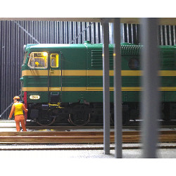 M-81513 Locomotora diésel...